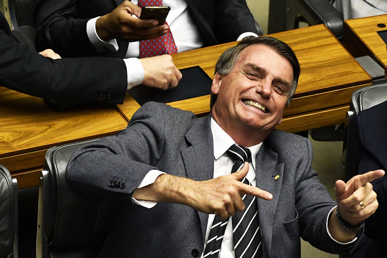 'Pretendo beneficiar filho meu, sim', diz Bolsonaro sobre indicação de Eduardo para embaixada nos EUA
