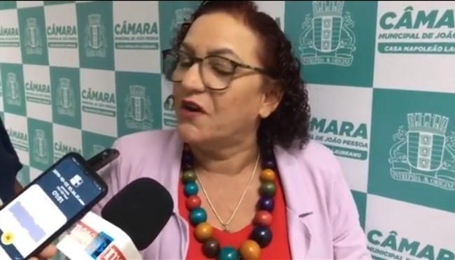 VÍDEO: Alguém avisa Sandra Marrocos que ainda não vivemos numa monarquia