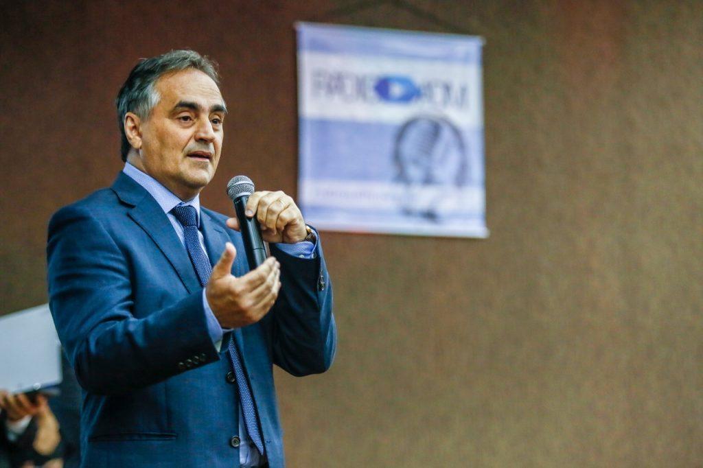 Em pronunciamento, Luciano Cartaxo mantém medidas restritivas, defende isolamento social e prorroga suspensão do transporte público por mais 15 dias